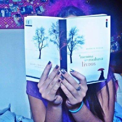 Livros Lêr Ameninaqueroubavalivros *-*