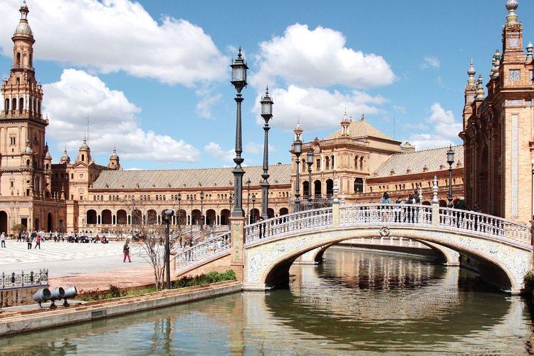 Spanish square.