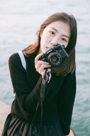Camera - Photographic Equipment Photographer Portrait Women Beautiful Woman Fujifilm Explore Hk FUJIFILM X-T1 Looking At Camera Portrait Of A Woman Portrait Of A Friend
