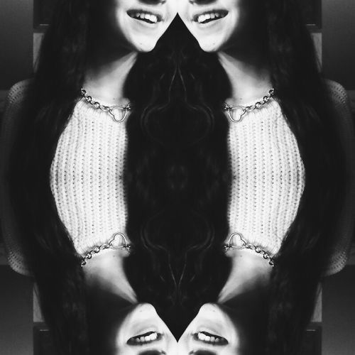 an outfit isn't complete without a smile. Smile ✌ Blackandwhite