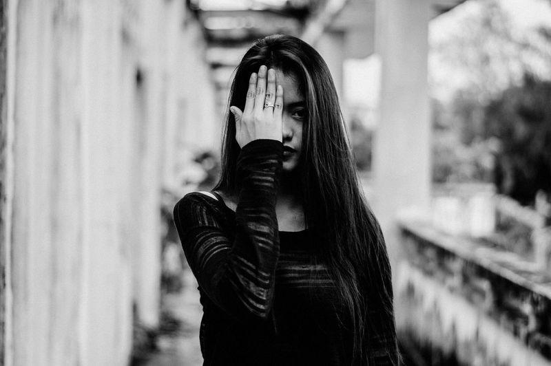 https://www.instagram.com/ynonsia Blackandwhite Black And White Black & White Girl Portrait Of A Woman The Week Of Eyeem EyeEm The Portraitist - 2016 EyeEm Awards Showcase July EyeEm Gallery