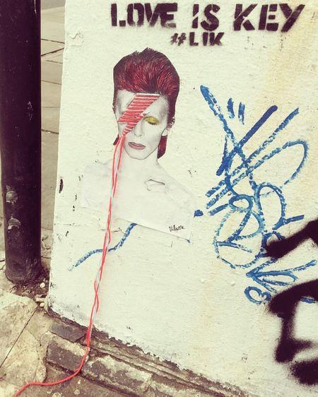 London David Bowie Ziggy Stardust Love Is Key Villana