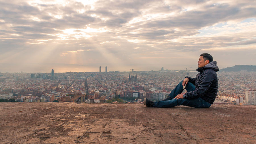 33 Barcelona City Cityscape Cloud - Sky Gear S3 Modern Moi One Man Only One Person Only Men Outdoors People Relax Relaxing Sitting Star Sunset Think Travel Destinations Urban Skyline Vacations First Eyeem Photo