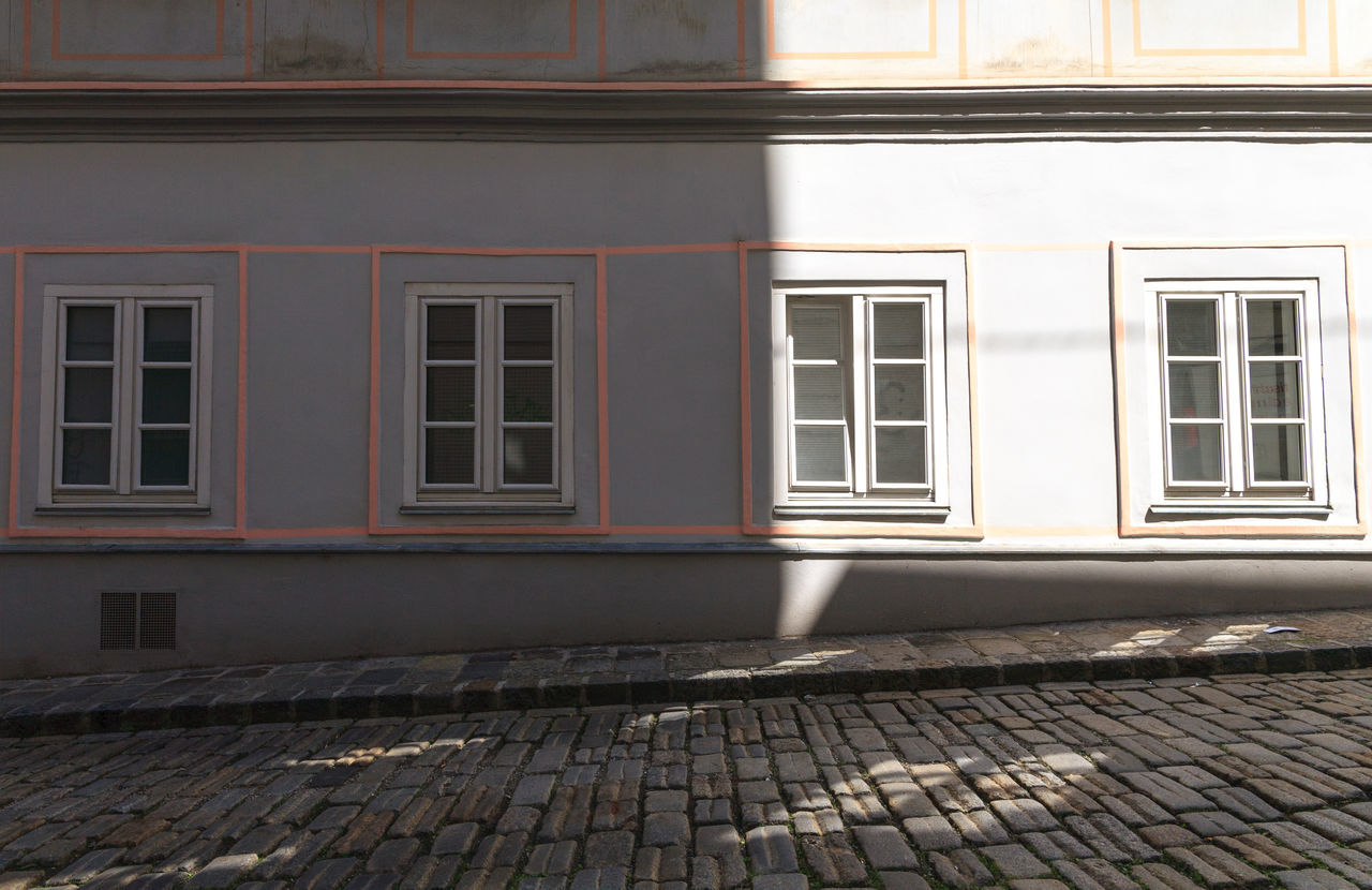 window, building exterior, architecture, no people, built structure, day, outdoors