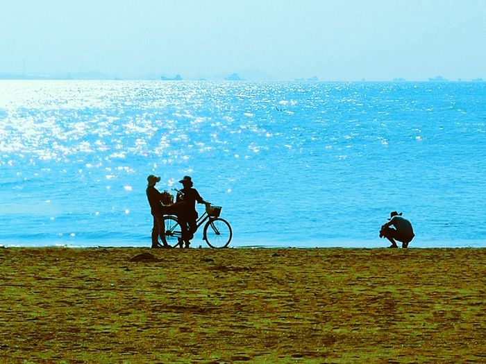 Water Bicycle Transportation Sea Silhouette Vacations Lifestyles Standing Blue Check This Out People And Places Person Beach Shore People Hello World EyeEm Gallery Taking Photos Hi! EyeEm Best Shots EyeEm Best Edits Capture The Moment From My Point Of View Eyeemphotography Eyeemphoto