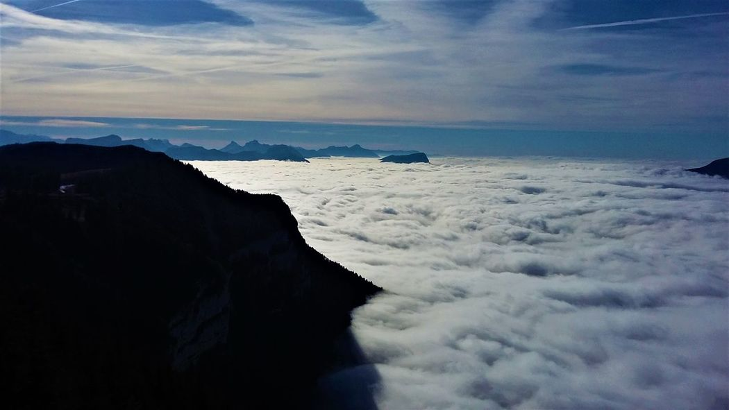 Liberty Sea Of clouds Alps Beauty In Nature Cloud - Sky Day Horizon Over Water Landscape Like A Bird Meteorology Mountain Nature No People Outdoors Scenics Sea Sky Tranquil Scene Tranquility Travel Destinations