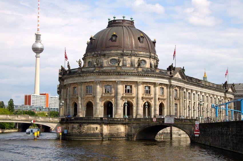 Fernsehturm mit Bodemuseum Berlin Discover Your City City Fernsehturm Bodemuseum Urban 4 Filter Capture Berlin