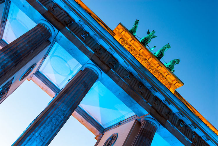 Brandenburger Tor Architecture Berlin Blue Brandenburger Tor Built Structure City City Gate History Low Angle View Travel Destinations