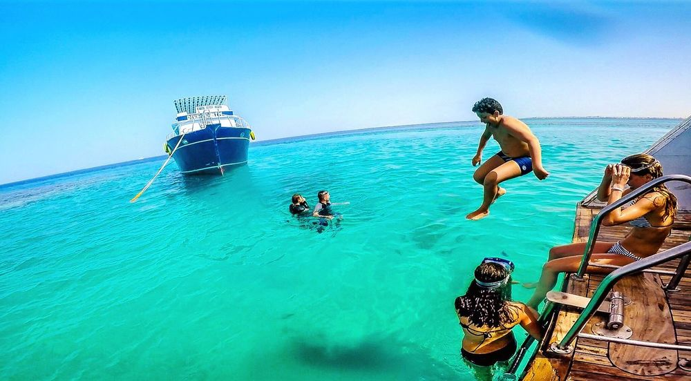 Blue Wave Divingphotography Diving Vacation Divingaddict Diving Time Divingspot Hurghada Hurghada, Egypt, Summer, Sun, Boats, Travel, Entertainment, Holidays, Discotheque Red Sea Memories Red Sea Blue