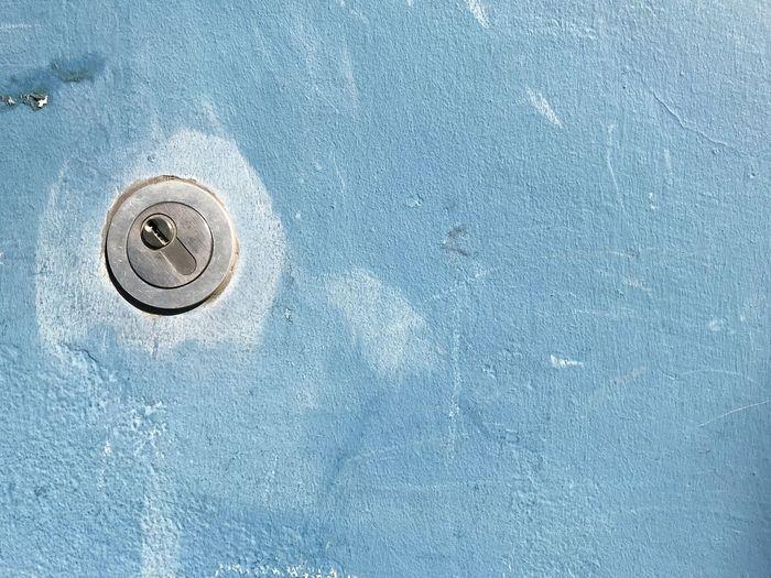 Keyhole on wall