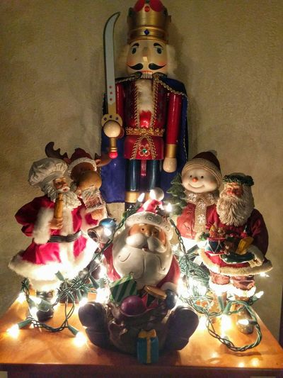 time to decorate Taking Photos Eyeemphotography Showcase: December Eye4photograghy Christmas Decorations My Photography Festive Christmas Lights EyeEm Gallery Eye4photography  Seasons Greetings Santaclaus Nutcracker Still LifeAndroidography Merry Christmas Holiday POV Santa Christmaslights