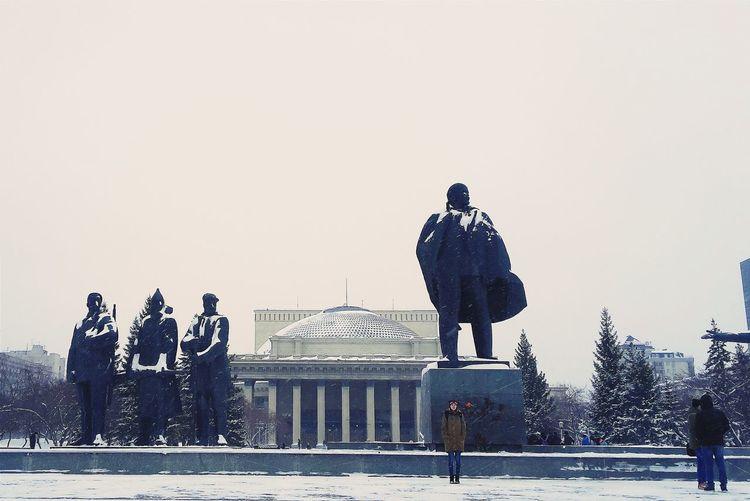 вечный Ленин. Lenin Russia Siberia Russian Russians Winter Snowy Cold Letitsnow Day