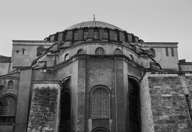 ASIA East Hagia Sophia Historical Building Istanbul Sultanahmet The Week On EyeEm Turkey Ancient Arch Architecture Ayasofya Blackandwhite Building Exterior Built Structure Clear Sky Day Dome Fatih Historic History Monochrome Outdoors Tourism Travel Destinations