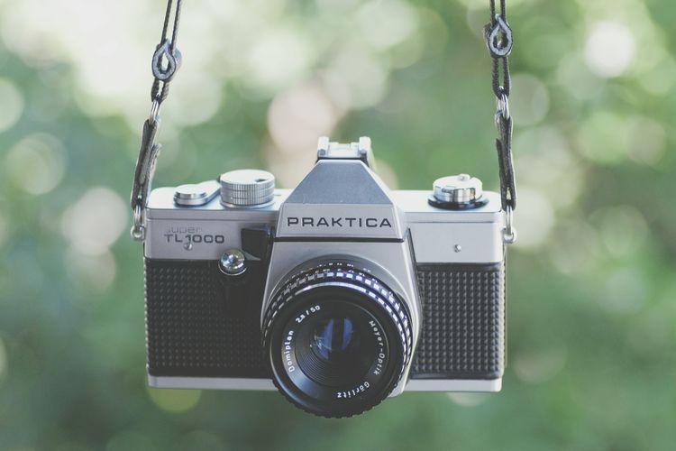 New Toy! 📷❤👀 Praktica Prakticacamera Film Photography Photography Themes Camera - Photographic Equipment Old-fashioned Retro Styled Antique Camera Film Photographic Equipment SLR Camera Camera