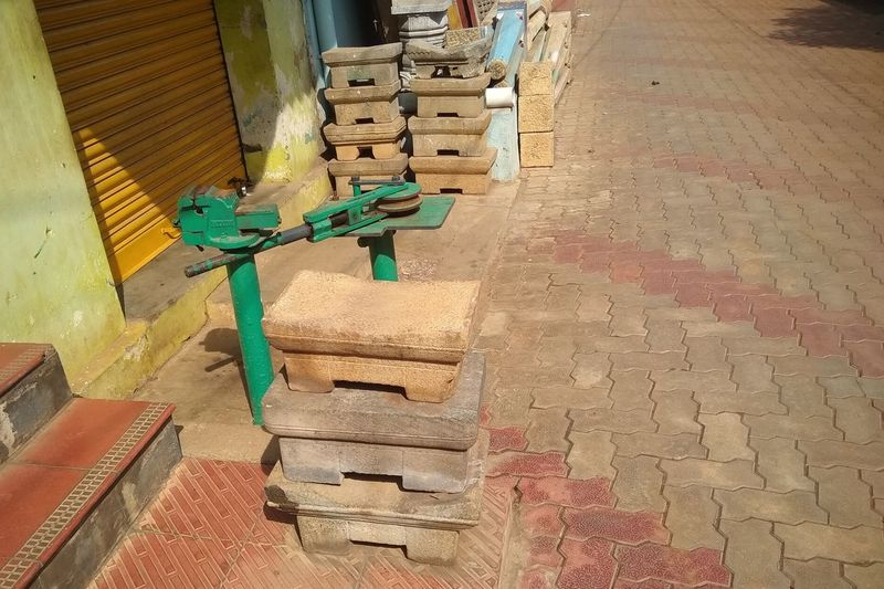 this is called kulavi Kally (kulavi stone) in ancient chettinad period. this was used to crush the tomato, onion and other items to make masala for food and chatni Unedited Unedited Photo Ancient Civilization Ancient Ancient History Ancient Ruins Ancient Chettinadu Old Items Stone Work High Angle View Architecture EyeEmNewHere