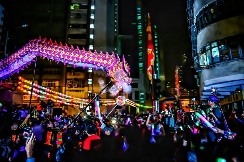 龍騰歡躍 - 大角咀廟會Luminous Night Dragon Dance 2016 Tai Kok Tsui Temple Fair 2016 Lowlight Lowlightphotography Night Lights Street Photography Light And Shadow Night Photography Capture The Moment EyeEm Gallery Audience EyeEm Masterclass Tai Kok Tsui Hong Kong Cities At Night