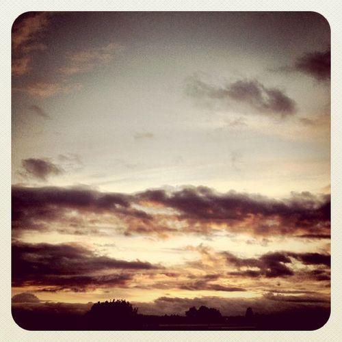Good night #clouds ?? #sunset #ireland #jj_forum #jj #earlybirdlove Clouds Sunset Ireland Jj  Earlybirdlove Jj_forum
