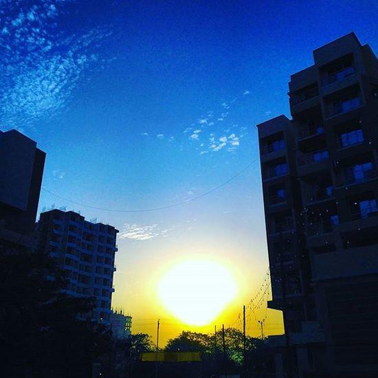 Good morning...New day....New Opportunities. Sunrisephotography Photoclick Photographers_of_india Mumbaiphotography Gratitude Blue Bluesky