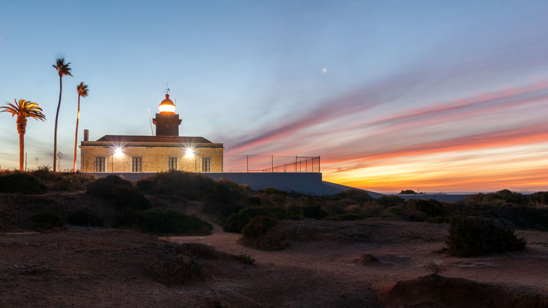 Cliffs Colors Lagos Lost In The Landscape Morning Portugal Built Structure Earlymorning  Ladnscape Landscepcapture Lighthousephotography Longexposure Nature Newday Outdoors Sky Skytexture Sunrise