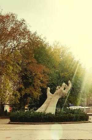 Statue Concrete Hand Hands Autumn Autmnn Colors Autmn In Park No People Autmncolors Ankara,Turkey. Green Yellow Monument Work Sıhhıye Abdiipekci ABDIIPEKCII Martyr Independence