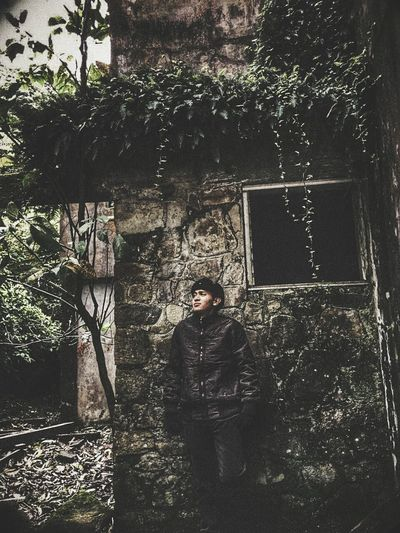 Haunted house💀👻👻🏠 #haunted Abandoned Places #abandonedhouse #castle  #paranormal #ghosts #strange Me #adventure Photography One Person Day Pixelated