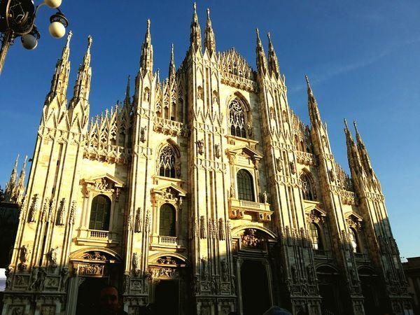 Milano Milano Italy Milanofashionweek Travel Destinations Religion Sky Architecture Cultures Tourism City Duomo Duomo Di Milano Gotico Marmo Di Candoglia Piazza Del Duomo Mailänderplatz Mailänder Dom