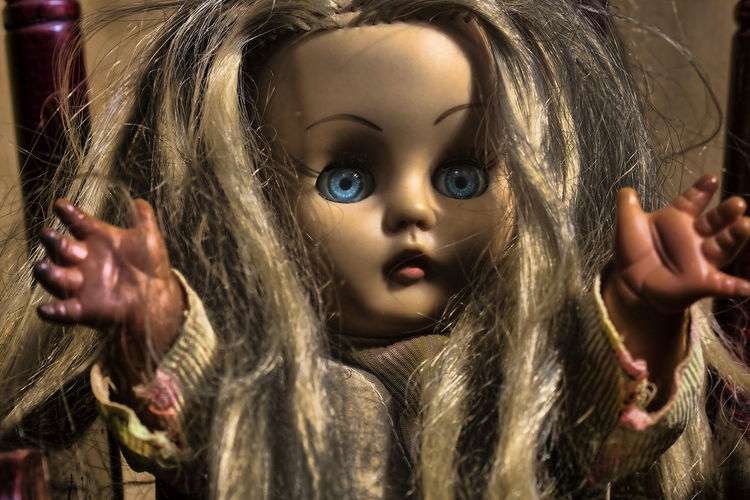 Blue Eyes Doll Evil Eye Creepy Front View Mannequin Spooky Toy