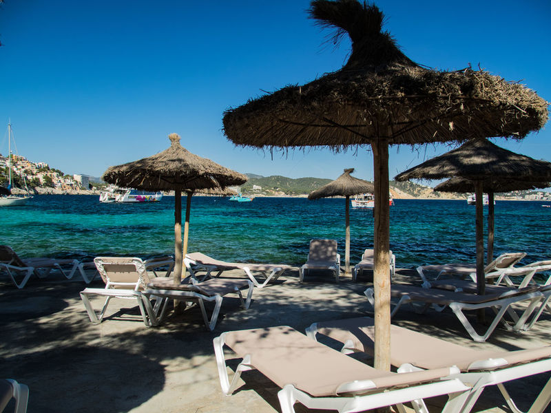 Urlaub Deck Chair Deck Chairs Deck Chairs In A Row Outdoors Parasol Sun Vacations Water Mallorca Emptychairsproject Hintergrundbilder Been There. An Eye For Travel The Traveler - 2018 EyeEm Awards
