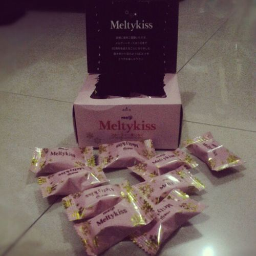 Strawberry Melty kiss Meiji Meltykiss Comfortfood Reward random