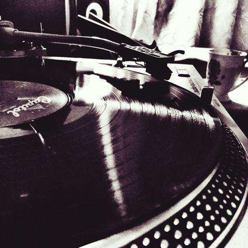 Music Music Is My Life Turntable Rockoffice 🎤🎣🎙 Punkrock Indie Rock Rock N' Roll  Rockfm94.5 Rockfm Vinly Record P Vinlyclub Vinly House Love