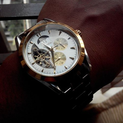 Well... Omega it is... :3 Omega Watch Surprise Classapart picoftheday f4f like4like done