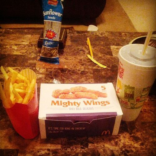 Oh yass! Latenitecravings Mightywings Bout2tearthisshitup