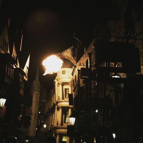 Gringotts Dragon Firebreathing at night Harry Potter ⚡ Gringottsbank Gringotts Dragon Universal Studios  Universal Studios Orlando