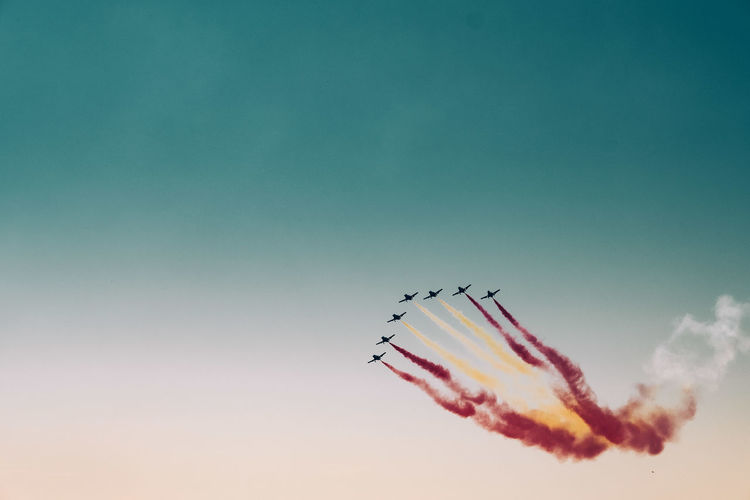 Air Vehicle Airplane Airshow Cloud - Sky Cooperation Fighter Plane Flying Formation Flying Low Angle View Mode Of Transportation Motion Nature No People on the move Order Outdoors Plane Sky Smoke - Physical Structure Speed Teamwork Transportation Vapor Trail