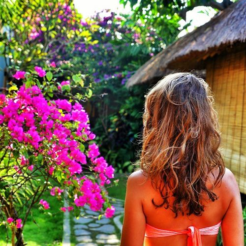 Love Morning in Bali . There is so many Beautiful balibabes . At @rivierahouse 🏄💓☝🌊😍🌞🌞 instagood traveling indonesia flowers gazebo bamboo green nature girl sun tbt ilovemylife iloveindonesia asia