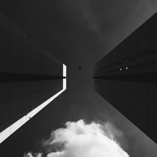 LOOK AT Black&White architecture