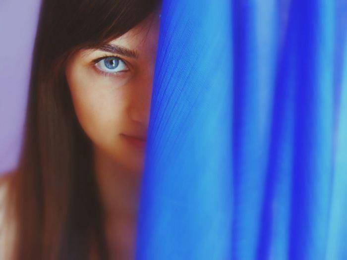 Mavinin huzur verdigine inananlardanim.. Blue Eyes