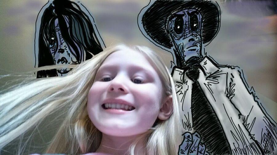 Daughter taking selfies... Drawing ArtWork Family Sketchbook Editedtheshitoutofthis Dead Coldroom