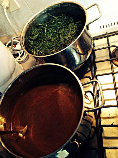Cocinando los romeros con mole y el caldo de camarón para la cena navideña Mexico Paseos Del Bosque Cooking Christmas