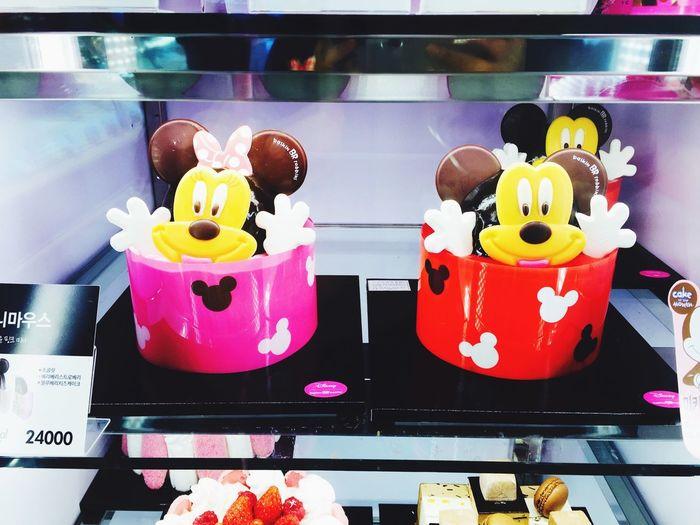 Mickey Mouse icecream cake Mickey Mouse Baskin31Robbins Icecream Cake
