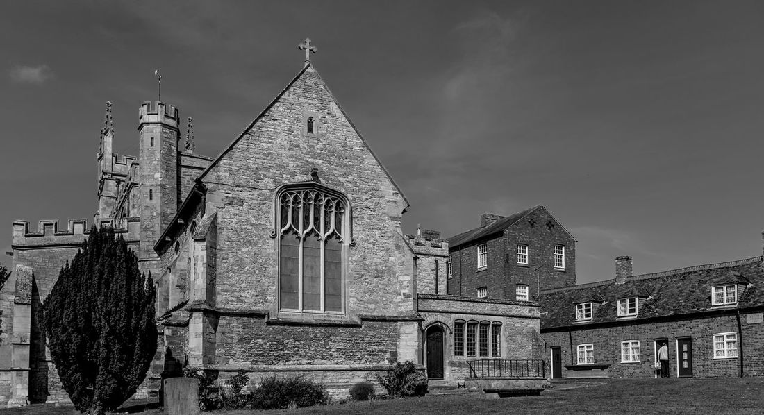 Church of Saints Peter and Paul and Almshouses, Newport Pagnell, Buckinghamshire Architecture Black And White Monochrome Buckinghamshire Newport Pagnell Church Churches Almshouses