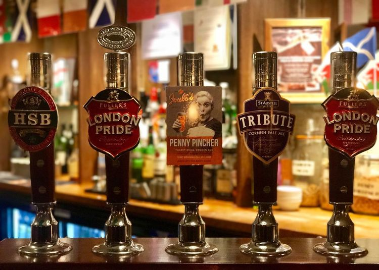 The Royal Oak No People Indoors  Bookshelf Alcohol Beer Pub @BestPhotos @getbetterwithalex @PeterPossum @JeffWoytovich @WINEANDMORE @Uniquephotoarts FullersLondonPride @BestPubs
