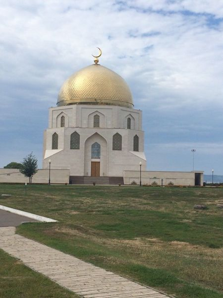 Mosque Architecture Dome Built Structure Building Exterior Religion Place Of Worship Sky Spirituality Travel Destinations Arch Cloud - Sky No People Outdoors Day Place Of Worship