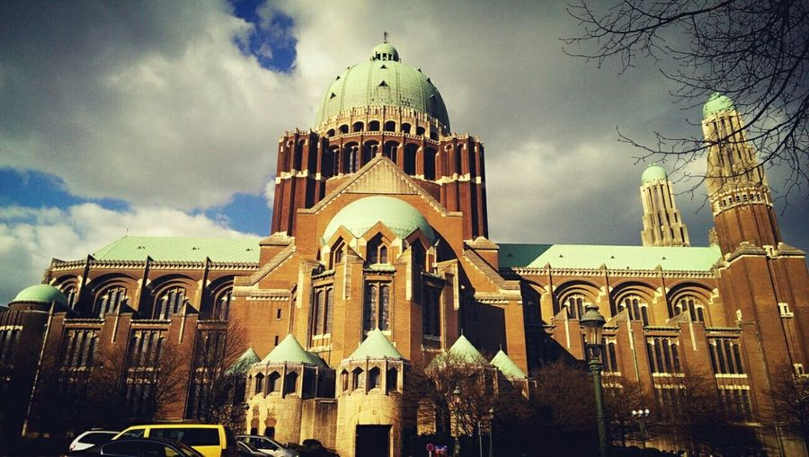 One of the few Art Deco style churches in the world. Basilica of Koekelberg in Brussels, Belgium. Architecture Architecture_collection Architectural Detail Art Deco Architecture Art Deco Church Basilica Awesome Architecture Urban Landscape Urban Photography