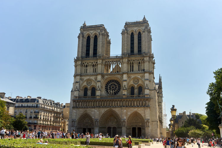 Group Of People Crowd Built Structure Architecture Large Group Of People Real People Building Exterior Sky Tourism Travel Nature Day Men Women Travel Destinations History Religion The Past Arch Outdoors Notre Dame De Paris Notre-Dame