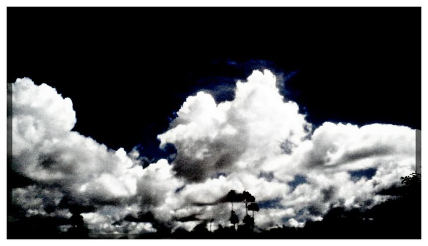 Mobile_photographer Monsoonmagic Monsoon Diaries Picart Editing Monsoon Season The Week Of Eyeem Photo Of The Day Colorburn Black And White Photography Black And White Collection  Cloudscape Eeyemgallery Imageblender Frame It! Blackandwhite Photography Black And White Hdr