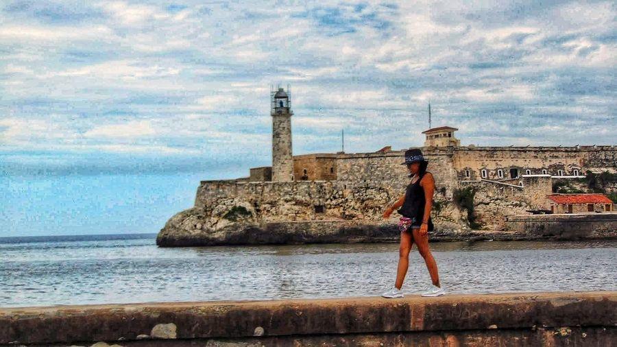 Lau en Cuba Cuba Water Full Length Sea Standing Young Women Women Beach Beautiful Woman Sky Horizon Over Water Historic