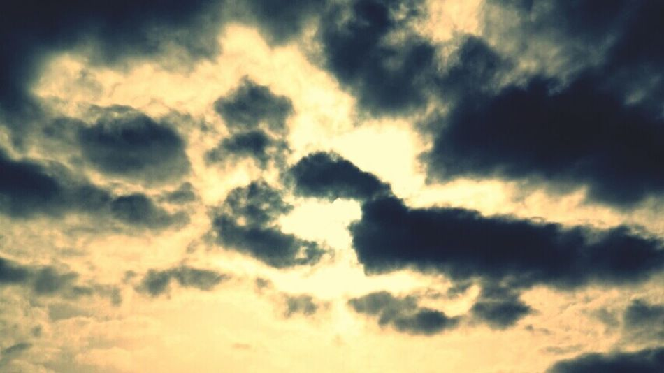 Morning Light Morning Sky Clouds And Sky Natural Beauty Nature_collection Cloud And Sky Cloud_collection  Clouds Eclectic_bnw Eclipse2015