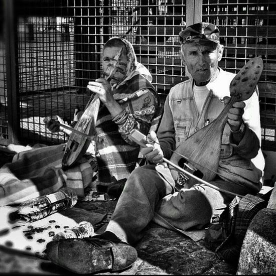 Homeless buskers.. (Slightly different edit of an old pic) Bw_crew Bnw_society Streetshots Igstreets urbandonment bestmusicshots jj_musicislife jj_sombre