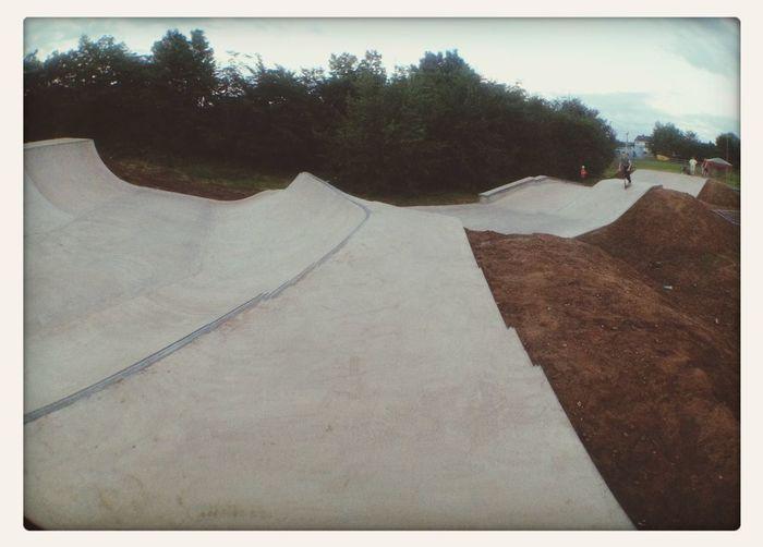 Sick ride yesterday at the local ☺️ Landywoodskatepark